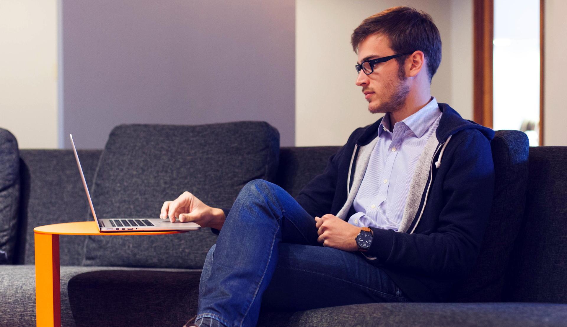 Realice sus pagos desde la comodidad de su casa de forma sencilla, confiable y segura.